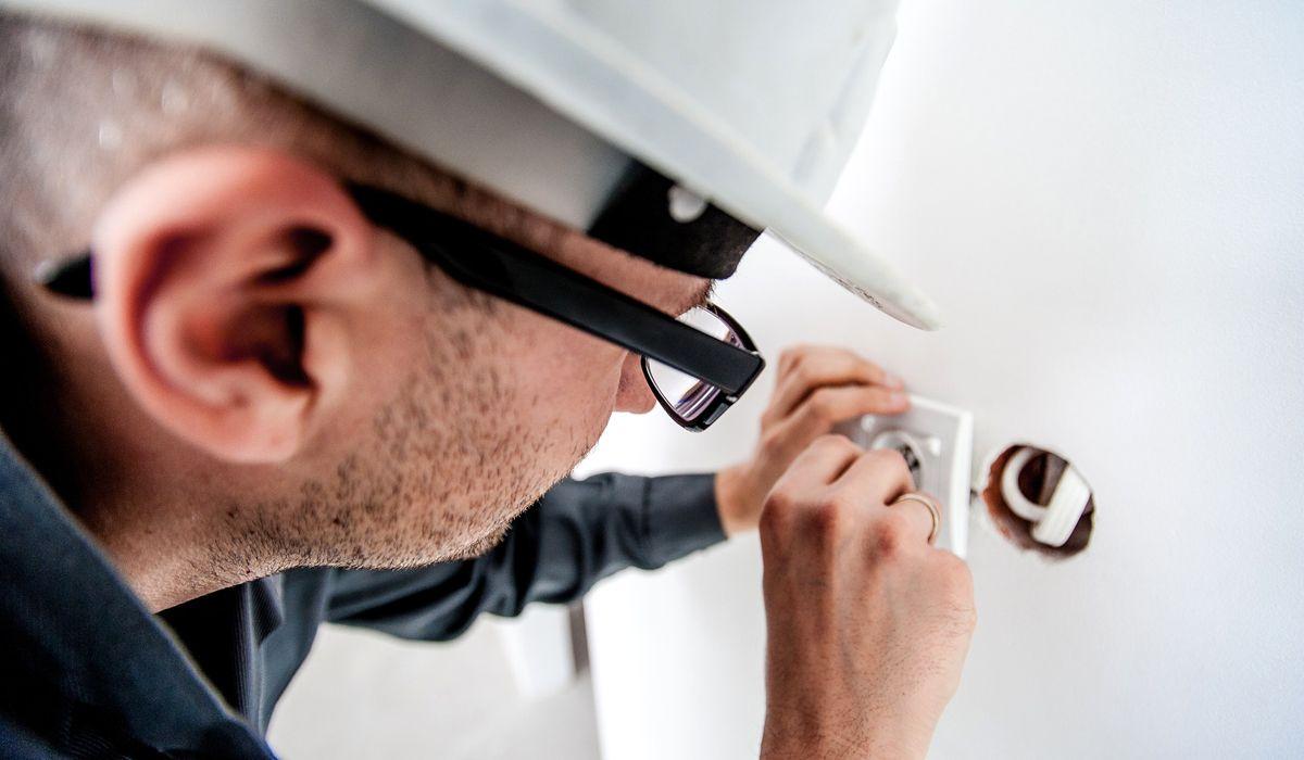 imagen del curso online: Curso Online Electrónico de mantenimiento y reparación